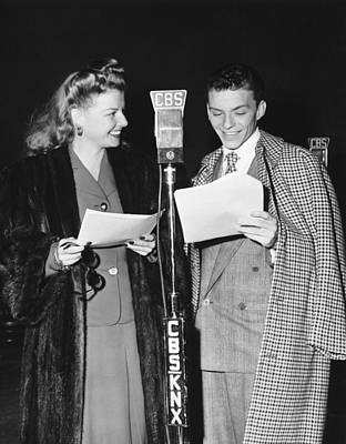 Frank Sinatra Photograph - Frank Sinatra And Ann Sheridan by Underwood Archives