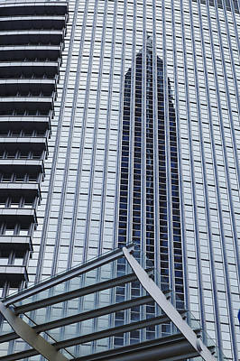 Wolkenkratzer Photograph - Frankfurt - Exhibition Tower Is Mirroring In A Glass Fassade by Olaf Schulz