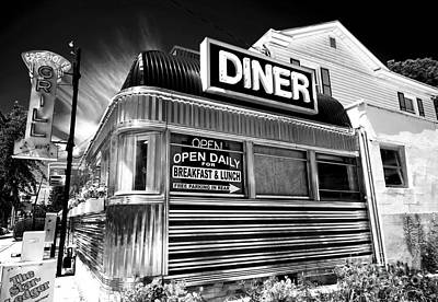 Travel.places Photograph - Freehold Diner by John Rizzuto
