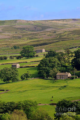 Stone Barn Photograph - Fremington Edge And Disused Quarries Above Reeth In Swaledale by Louise Heusinkveld