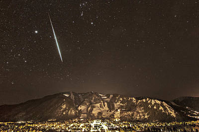 Geminid Meteor Shower Aspen Print by Tom Cuccio