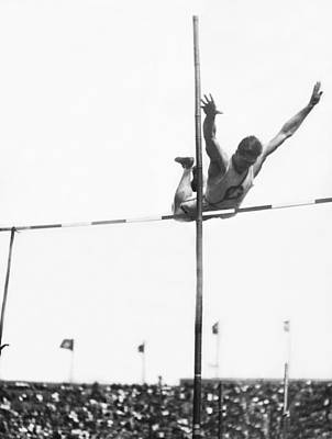 Vaults Photograph - Georgetown Decathlon Star by Underwood Archives
