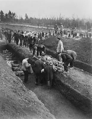 German Civilians Of Nordhausen Print by Everett
