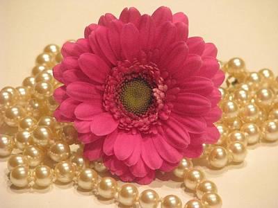 Girls Like Pearls Print by Angela Davies