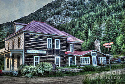 Log Cabins Photograph - Goldminer Hotel by Juli Scalzi