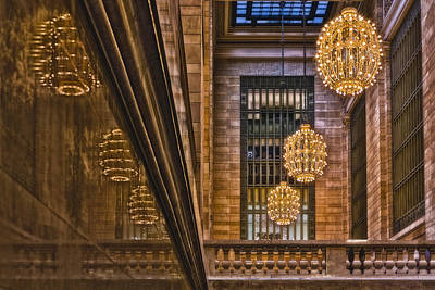 Grand Central Terminal Chandeliers Print by Susan Candelario