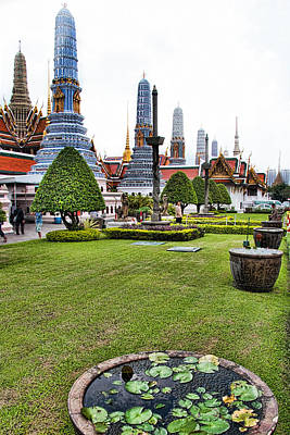 Grand Palace Temple In Bangkok 1 Print by David Smith