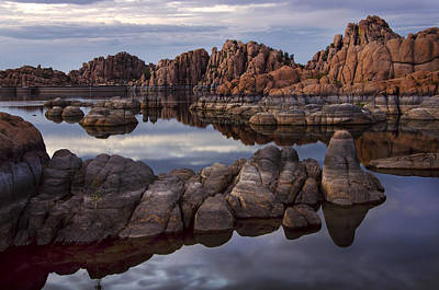 Granite Dells At Watson Lake Arizona Print by Dave Dilli