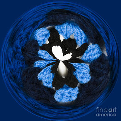 Manipulation Photograph - Granny Circle by Anne Gilbert