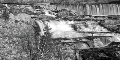Great Falls 14140 Original by Guy Whiteley