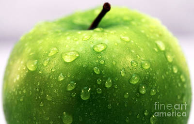 Green Apple Top Print by John Rizzuto