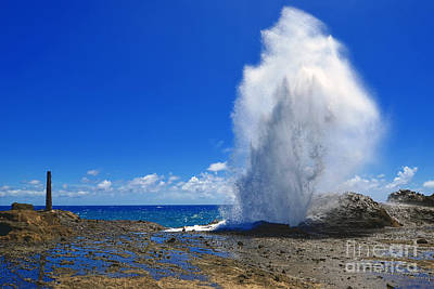 Halona Blowhole Exploding Geyser Print by Eric Evans
