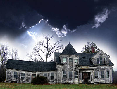 Old House Photograph - Haloween House by Skip Willits