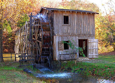 Hardy Mill In Autumn Print by Ed Cooper