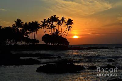 Brilliant Photograph - Hawaiian Sunset At Pauoa Bay by Greg Cross