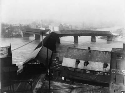 Covered Bridge Photograph - Hearts Of Oak Threeway Covered Bridge by Digital Reproductions
