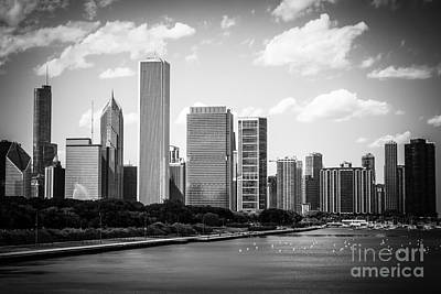 Stone Buildings Photograph - Hi-res Picture Of Chicago Skyline In Black And White by Paul Velgos