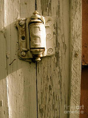 Screen Doors Photograph - Hinge by Jacqueline Athmann