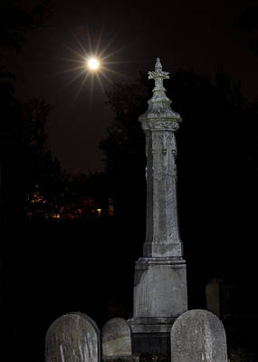 Hollywood Cemetery Moon Rise Print by Jemmy Archer