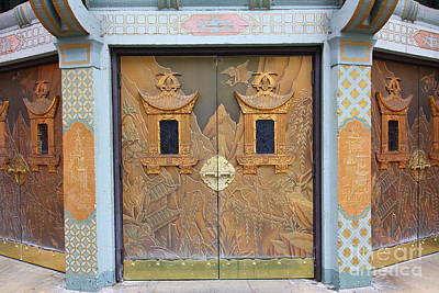 Hollywood Tcl Chinese Theatre Main Entrance Doors 5d29002 Print by Wingsdomain Art and Photography