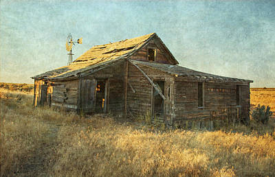 Old House Photograph - Homestead by Angie Vogel