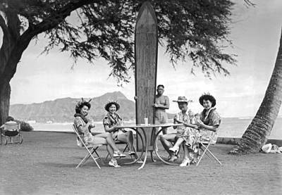 Enjoyment Photograph - Honolulu In 1930 by Underwood Archives