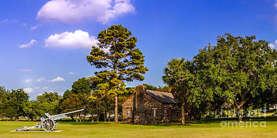 Shiner Photograph - Horace Eggleston's House - Gonzales Texas by Silvio Ligutti