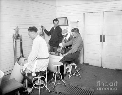 Hospital Hydrotherapy, 1920s Print by Library Of Congress