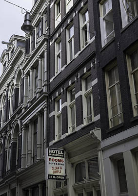 Three Little Kittens Designs Photograph - Hotel Rooms Clean And Simple Amsterdam by Teresa Mucha