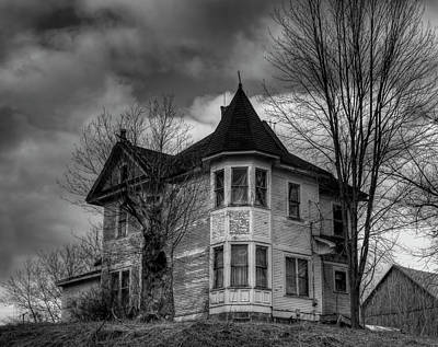 Old House Photograph - House On The Hill by Thomas Young