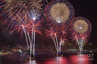 Hudson River Fireworks Viii Print by Clarence Holmes