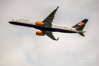 Rene Triay Photograph - Icelandair Boeing 757 by Rene Triay Photography