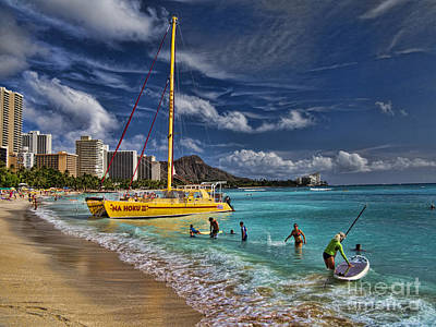 Idyllic Waikiki Beach Print by David Smith