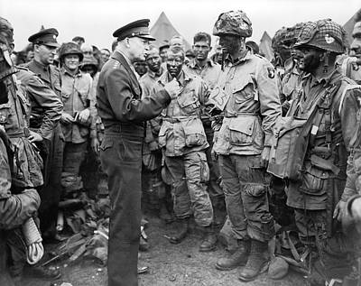 Ike With D-day Paratroopers Print by Underwood Archives