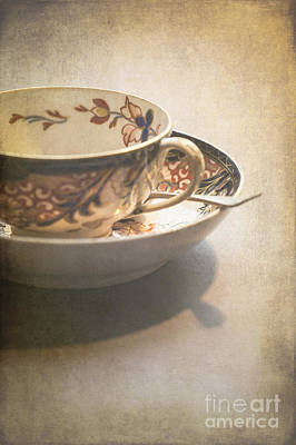 Imari Cup And Saucer Print by Jan Bickerton