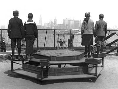 Ellis Island Photograph - Immigrants At Ellis Island by Underwood Archives