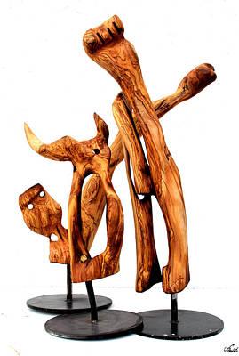 Olive Wood Sculpture - Indignados 4 by Jorge Berlato