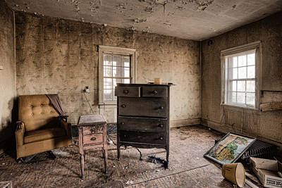 Inside Abandoned House Photos - Old Room - Life Long Gone Print by Gary Heller