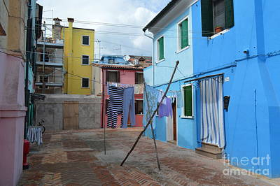 Flowers On Line Photograph - Italy - Venezia - Laundry Day In Colorful Burano by Ana Maria Edulescu