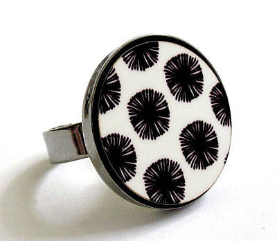 Statement Ring Jewelry - Japanese Flowers In Black And White Ring by Rony Bank