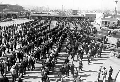Kaiser Shipyard Workers Print by Underwood Archives