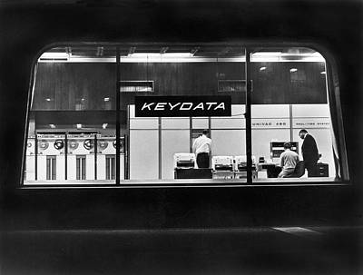 Nightlights Photograph - Keydata's Univac 491 Computers by Underwood Archives
