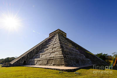 Landscapes Photograph - Kukulkan Pyramid In Chichen Itza Mexico by Oscar Gutierrez