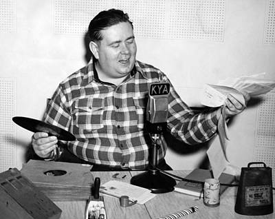 Kya Host cowboy Bob Print by Underwood Archives