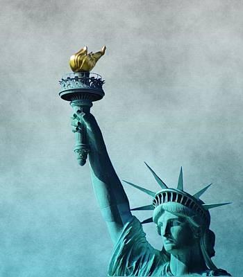 Nyc Digital Art - Lady Liberty by Dan Sproul