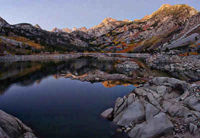 Bishops Photograph - Lake Sabrina Fall Colors At Sunrise by Scott McGuire