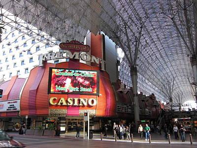 Vegas Photograph - Las Vegas - Fremont Street Experience - 12122 by DC Photographer