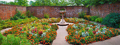 Memorial Garden Photograph - Latham Memorial Garden At Tryon Palace by Panoramic Images