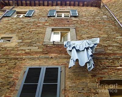 Tuscany Photograph - Laundry Cortona by Joann Bristol