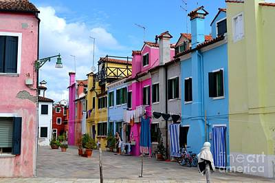 Flowers On Line Photograph - Laundry Day In Burano Venice 3 by Ana Maria Edulescu